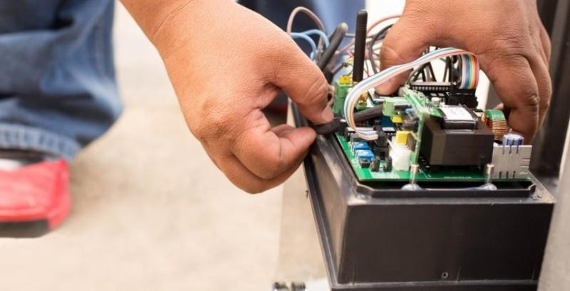 Manutenção em catracas eletrônicas